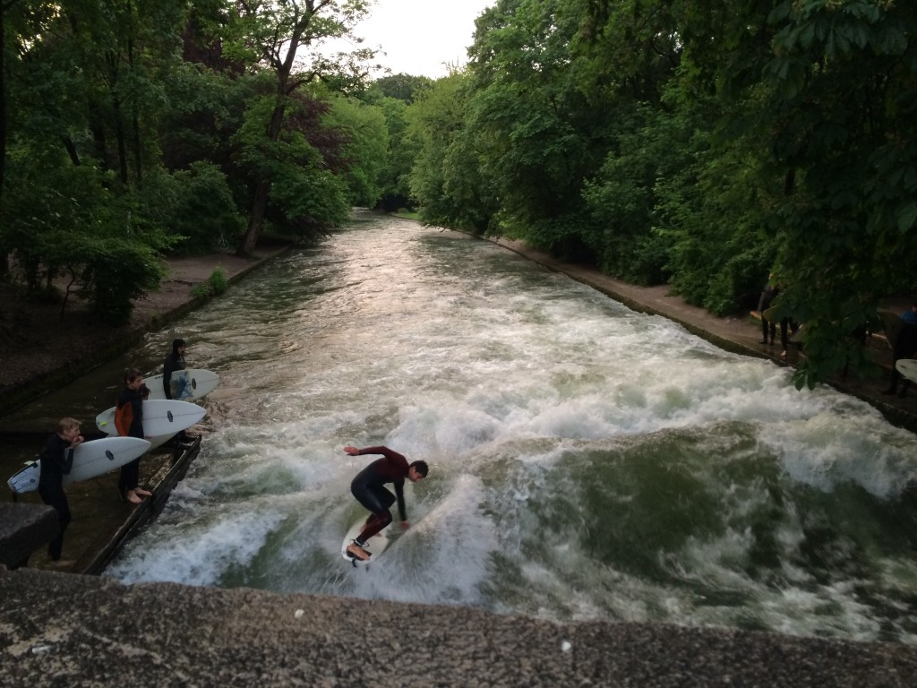 Eisbach, Munique. Por Packing my Suitcase