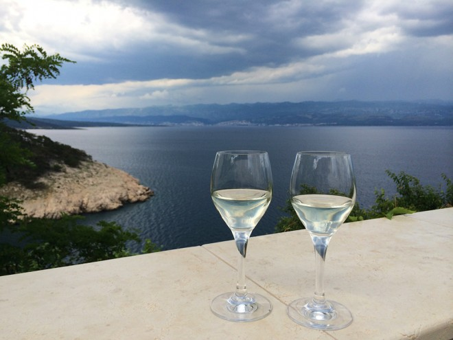 Vinho branco em Vrbnik, Ilha Krk