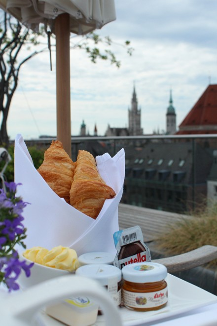 Café da manhã no Bayerischer Hof, Munique. Por Packing my Suitcase.