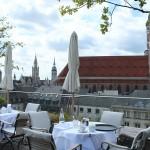 Café da manhã no Bayerischer Hof, Munique