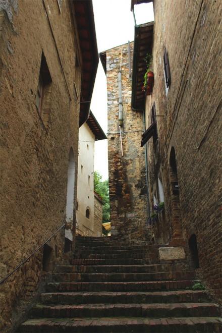 Escadas em San Gimignano, Itália