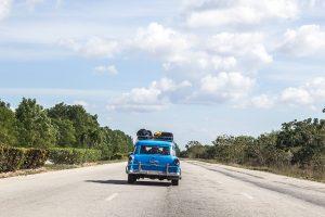 Carro em Cuba