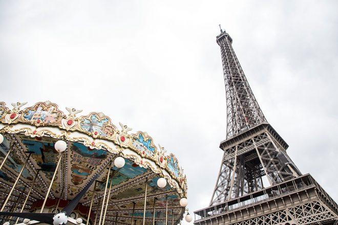 Carrossel e Torre Eiffel