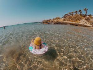 Criança na Grécia