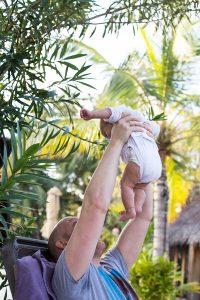 Ilhas Maldivas com um bebêIlhas Maldivas com um bebê